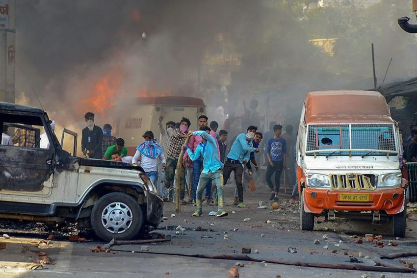 Dalit Violence A Sign of Weak And Selfish Leadership, Says Shiv Sena