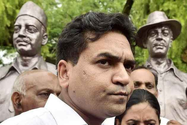 Rebel AAP MLA Kapil Mishra Marshalled Out Of Delhi Assembly Again, BJP Leaders Walk Out