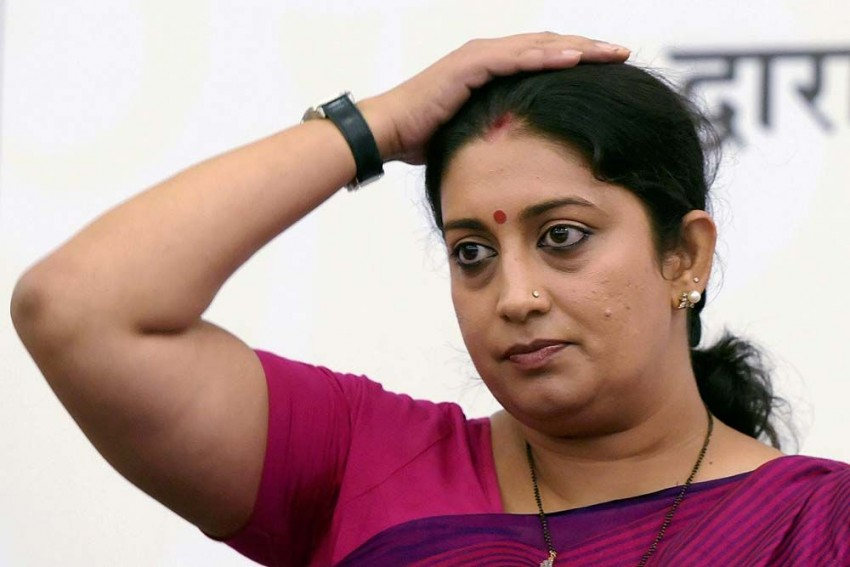 No, TN Seshan Is Not Dead, But Smriti Irani, Jitendra Singh Fall For Fake News