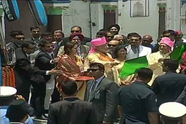 Modi, Oli Jointly Inaugurate Janakpur-Ayodhya Direct Bus Service