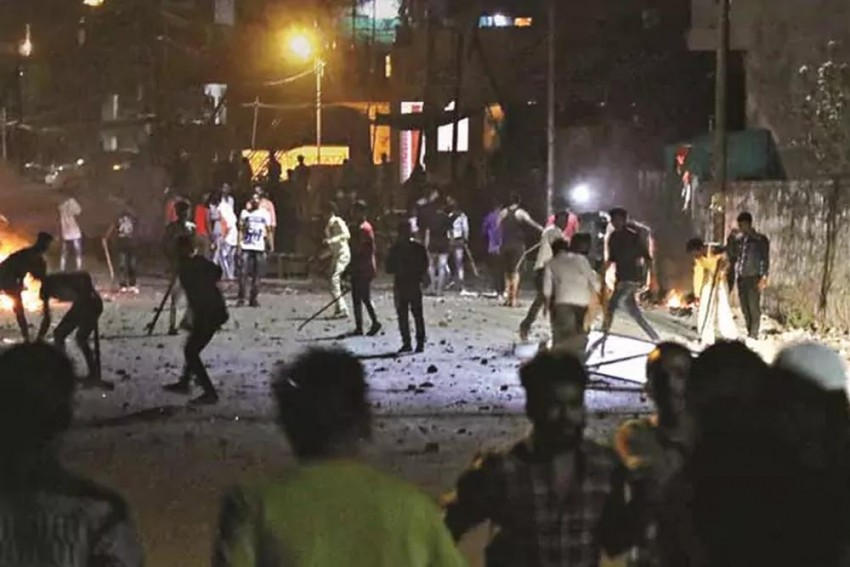 Aurangabad Clashes Communal, Pre-Planned And Failure Of Home Dept: Shiv Sena