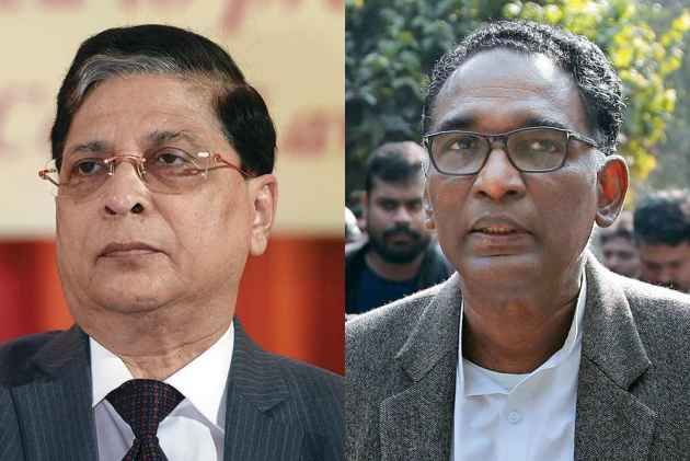 Justice Chelameswar Follows Convention, Shares Dais With CJI On Last Working Day