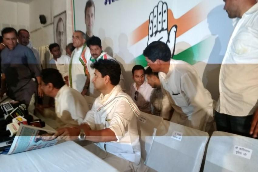 Kamal Nath's Son Makes A Silent Entry Ahead Of The Upcoming Lok Sabha Elections