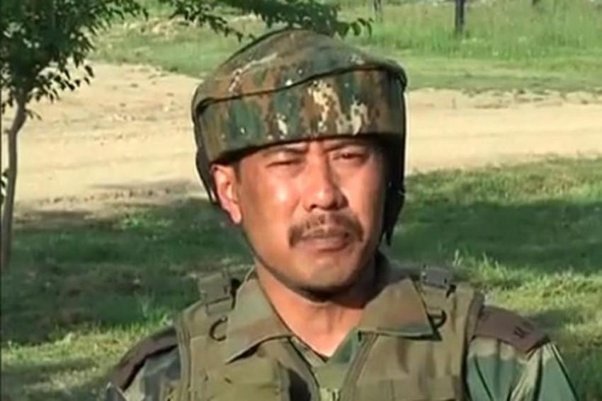 Kashmir Human Shield Fame Major Gogoi Detained From Srinagar Hotel