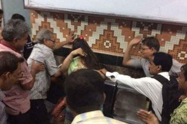 Kolkata Metro Moral Policing: No Complaint Lodged, Metro Authorities Say No Evidence Of Assault