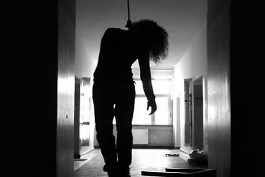 Woman In Kolkata Commits Suicide, Streams Act On Facebook Live