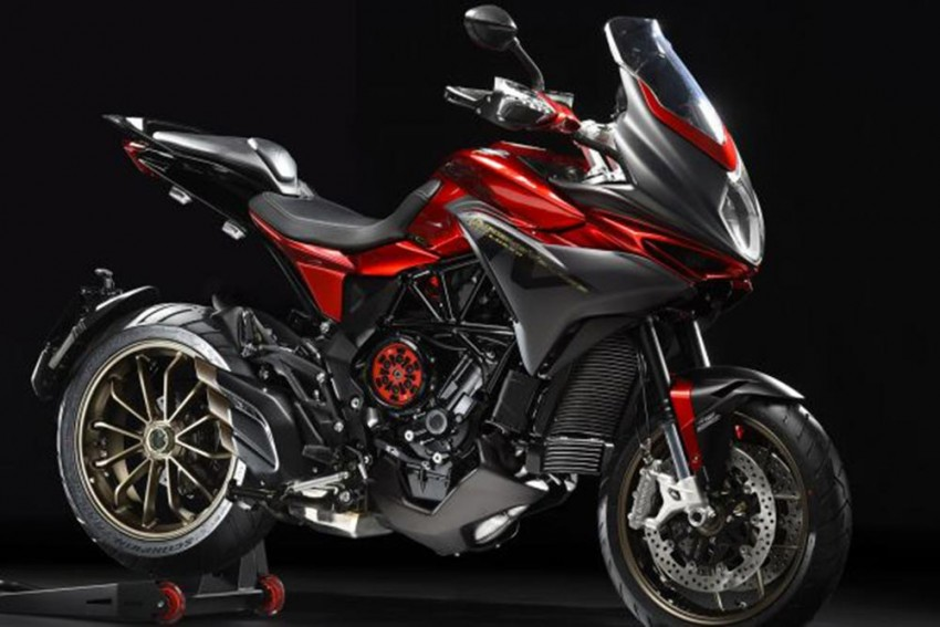 MV Agusta Calls This Turismo Veloce 800 Lusso A 'Smart Tourer'