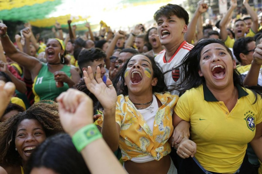 Late Show Against Costa Rica Keeps Brazil's World Cup Hopes Alive
