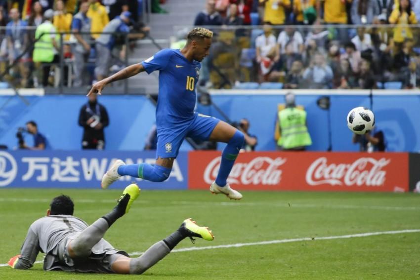 Brazil's Neymar Scores! And His Sister Dislocates Shoulder