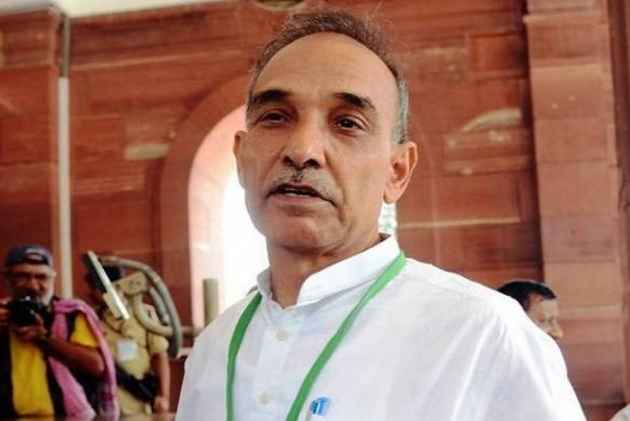 My Ancestors Weren't Apes: Union Minister Satyapal Singh Again Challenges Darwin's Theory Of Evolution