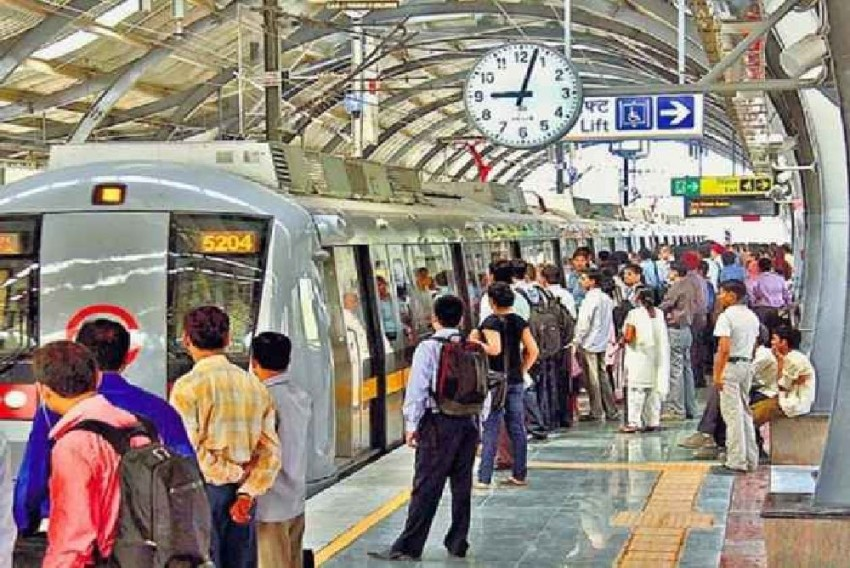 Restrained From Going On Strike By HC, Delhi Metro Staff Resort To Symbolic Protest