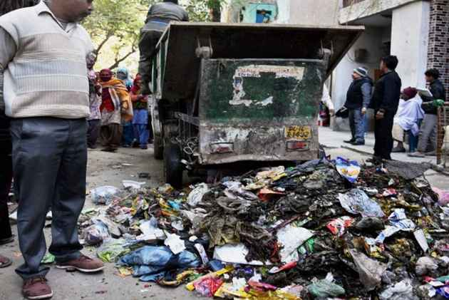 Who Is Responsible For Clearing Mountains Of Garbage In Delhi, Govt, LG To Tell SC Today