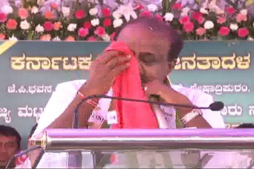 Karnataka CM Kumaraswamy Breaks Down, Says 'Swallowing Pain Of Coalition Govt'