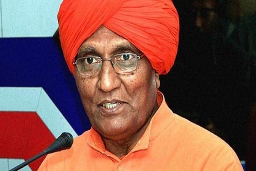Social Activist Swami Agnivesh Assaulted Allegedly By BJP Workers In Jharkhand's Pakur District