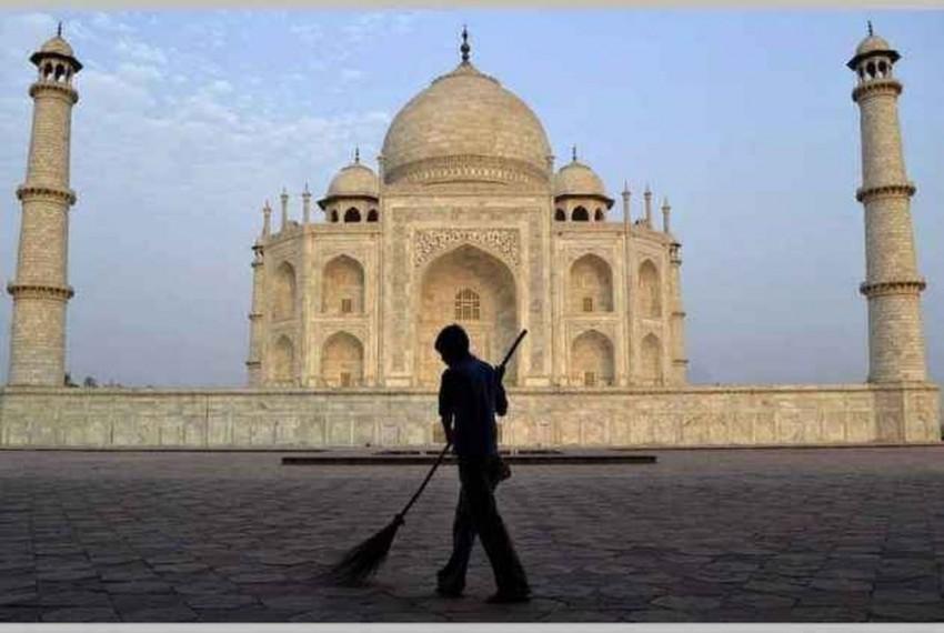 After SC's Rap, UP Govt Mulls No-Plastic Zone Around Taj Mahal In Draft Vision Document