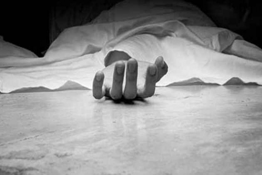 DU Student Commits Suicide In College Washroom