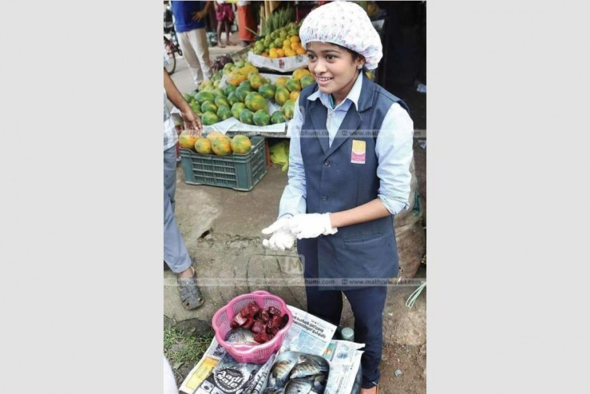 Trolled For Selling Fish In College Uniform, Kerala Girl Juggles Between Work And Education