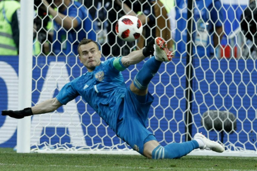 Akinfeev's 'Foot Of God' Answers Russia's World Cup Prayers