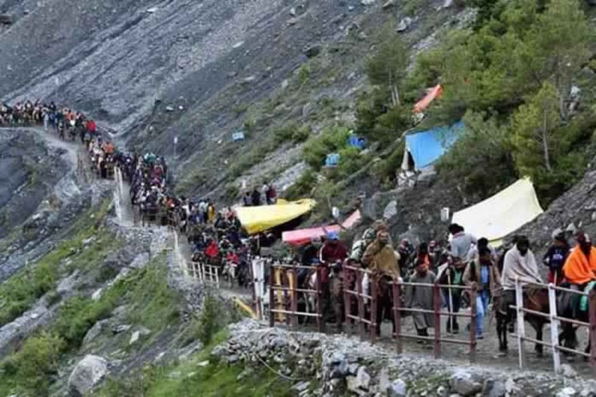 Nearly 1,000 Indian Stranded Kailash Mansarovar Pilgrims Await Evacuation