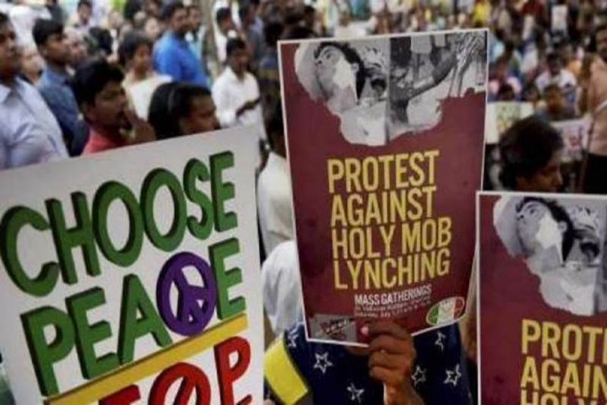 Maharashtra: To Stop Lynchings, Police Provide WhatsApp Helplines, Rope In Fact-Checking Sites