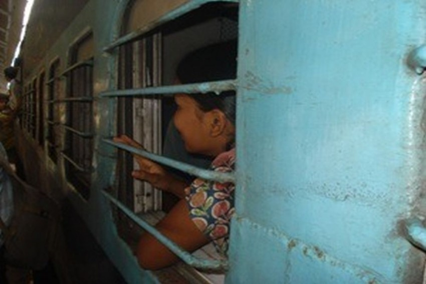 How A Tweet From Passenger Helped GRP, RPF Rescue 26 Girls From Train