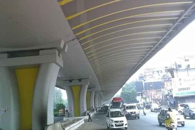 Man Found Hanging From Delhi's Dhaula Kuan Flyover, Probe On