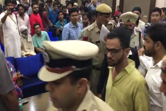 JNU Student Umar Khalid Attacked Outside Constitution Club In Delhi, Escapes Unhurt