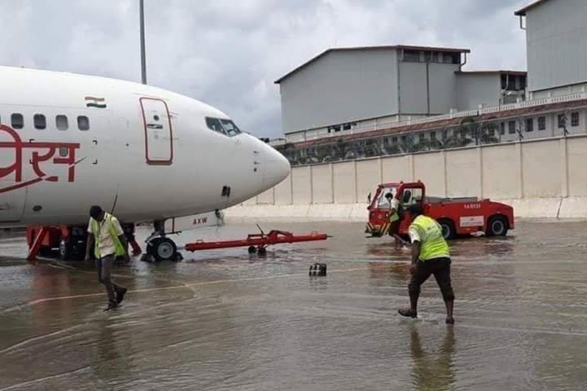 Rain Fury In Kerala: Cochin Airport Shut Till Saturday, 12 Districts On Red Alert