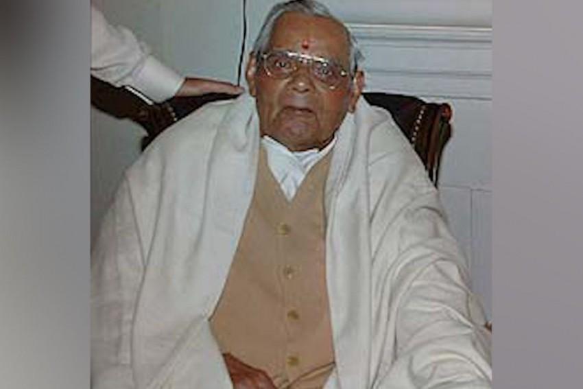 Leaders Across Parties Bid Emotional Goodbye To Vajpayee