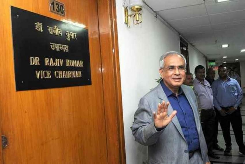 Falling Rupee Not A Cause Of Worry: NITI Aayog VC Rajiv Kumar