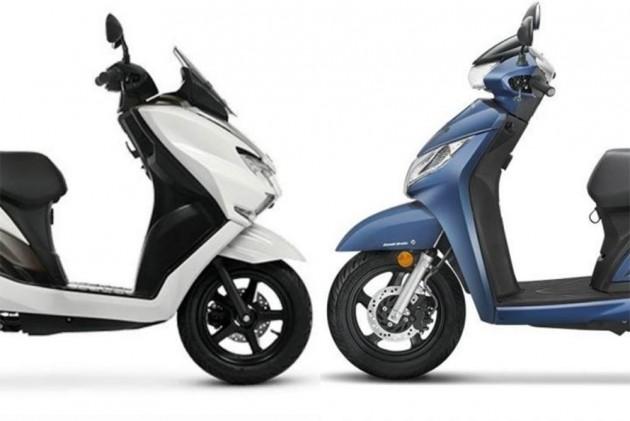 Suzuki Burgman Street vs Honda Activa 125: Spec Comparison