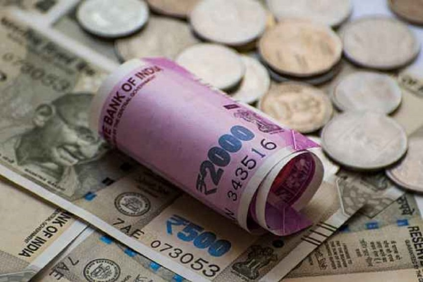 Rupee Bounces Back from All Time Low by 38 Paise against US Dollar