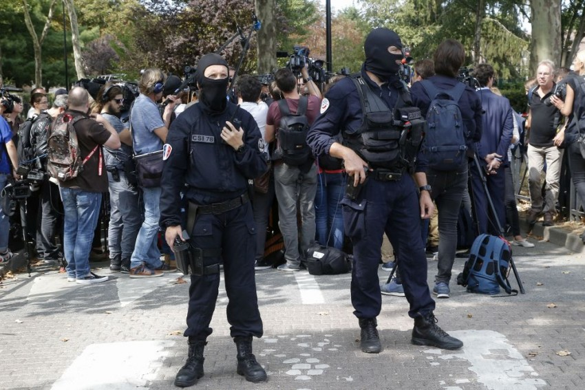 2 Killed In Knife Attack Near Paris