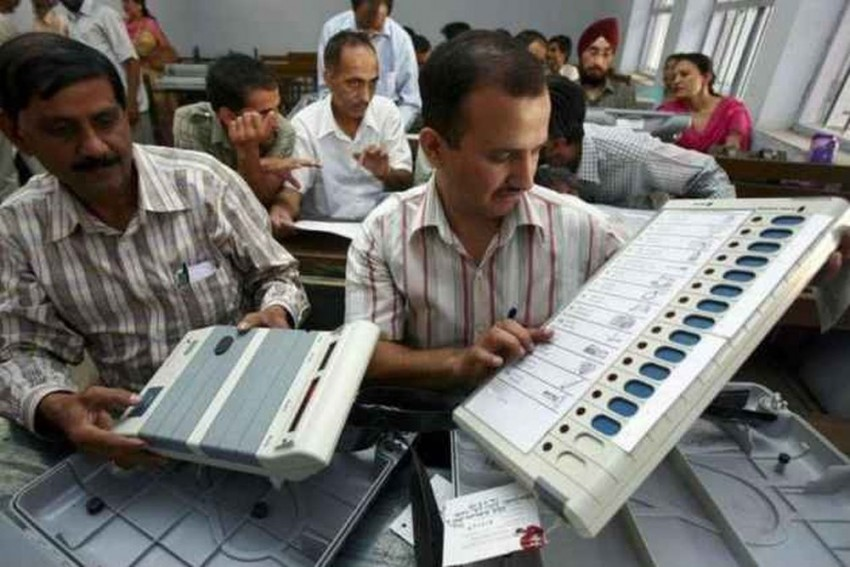 'No Chance At All': CEC On Conducting Lok Sabha, Assembly Polls Together