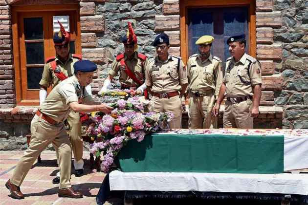 J&K Police Starts Crowdfunding Campaign For Financial Aid Of Martyrs' Families