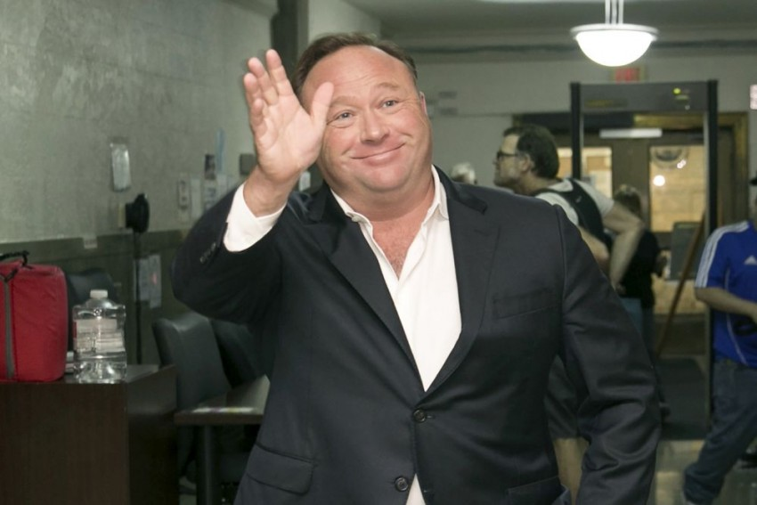 Apple, Facebook and Spotify Delete Content Of US Conspiracy Theorist Alex Jones