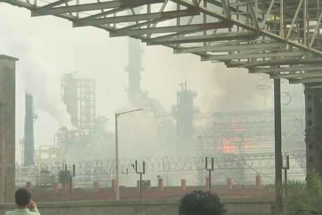 At Least 43 Injured As Massive Fire Breaks Out At Bharat Petroleum Plant In Mumbai's Chembur