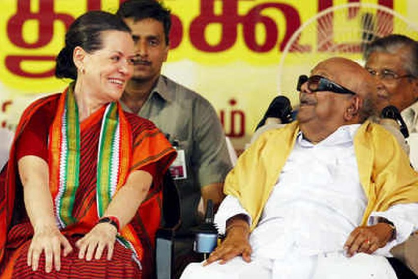 Karuna Was Like A Father Figure To Me, Says Sonia Gandhi