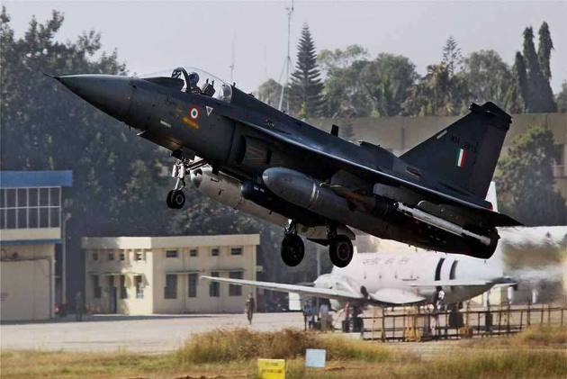 Tejas Clears Mid-Air Refuelling Trial