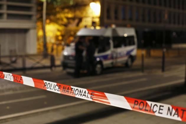 7 Injured In Paris Knife Attack