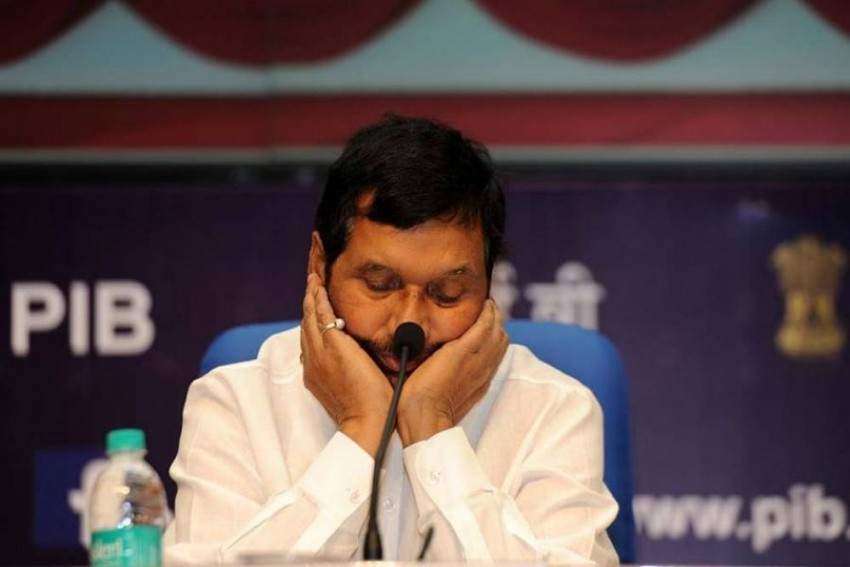 Ram Vilas Paswan's Daughter May Contest Against Father If Fielded By RJD, Claims Her Husband