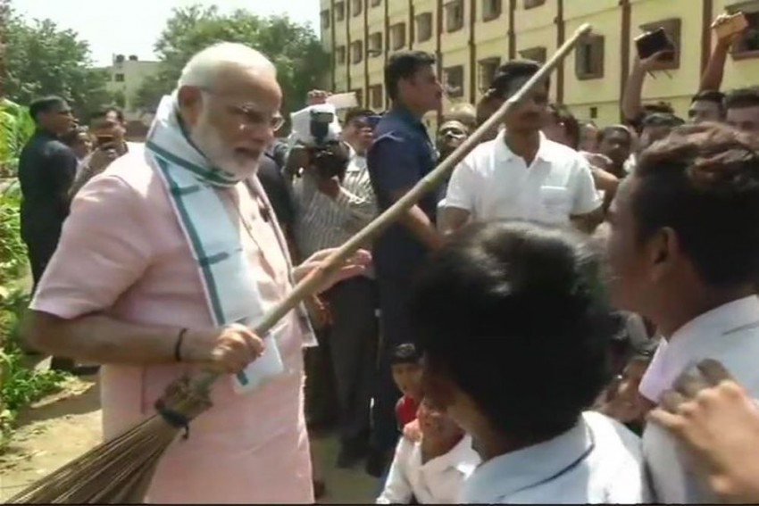 PM Modi Launches 'Swachhata Hi Seva Movement' As Part Of Swachh Bharat Mission