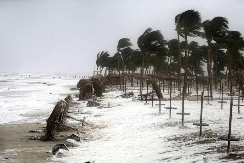 Cyclonic Storm 'DAYE' Hits Odisha, Authorities On High Alert