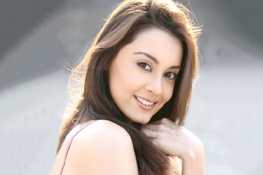 Minissha Lamba Debuts Into Theatre