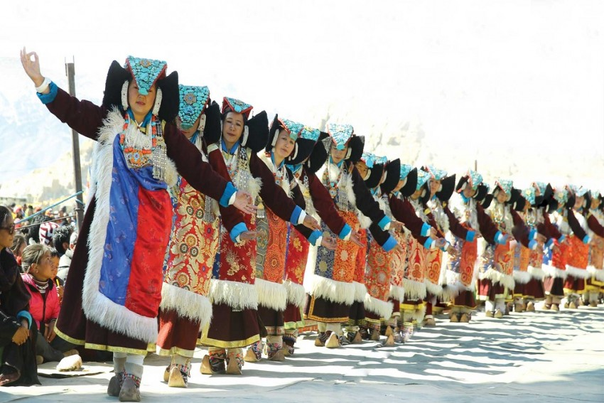 Naropa Festival At Ladakh Ends With Fun Dance With A World Record