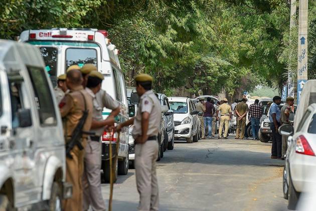 Lady Constable Seen Thrashing Woman For Befriending Muslim, Suspended