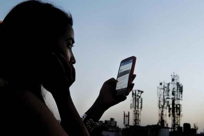 Due To SC Order Preventing Aadhaar-Based eKYC, Telecos To Face Challenges: DoT