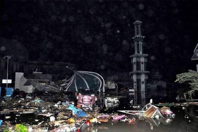 More Than 800 Dead In Indonesia Quake-Tsunami Disaster