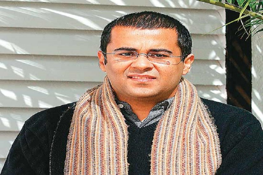 Chetan Bhagat Reveals The Trailer Of His New Book <em>The Girl In Room 105</em>