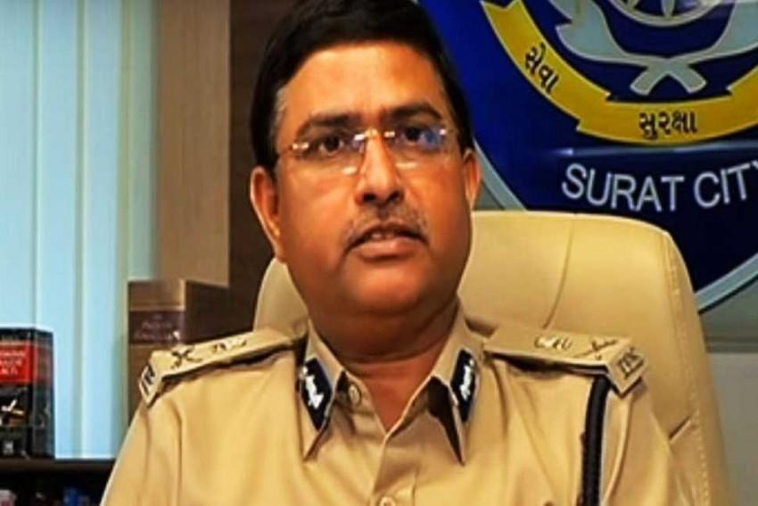 CBI Vs CBI: Delhi HC Refuses To Quash FIR Against Special Director Rakesh Asthana